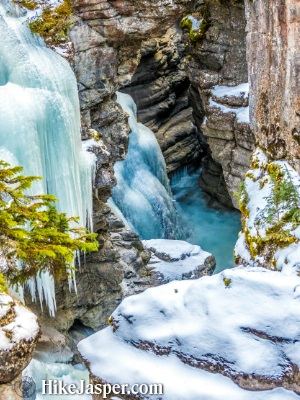 2018 Maligne Canyon Winter Ice Walk 3