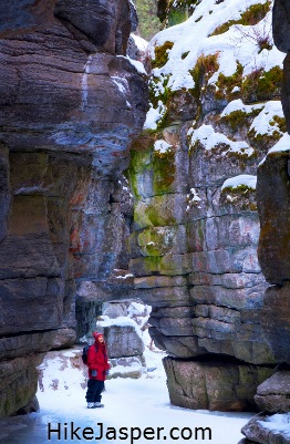 Maligne Canyon Winter Ice Walk