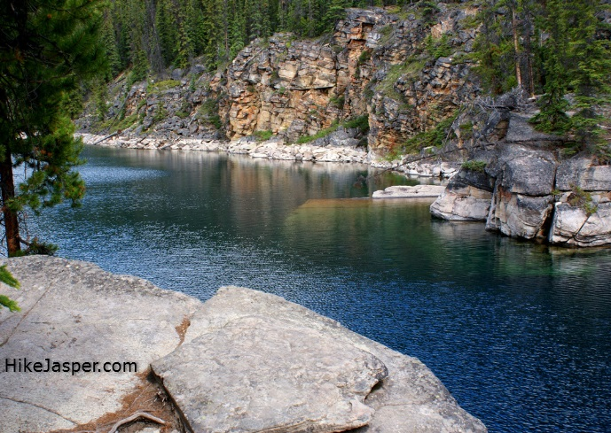 Horseshoe Lake Hike in Jasper
