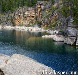Jasper's Horseshoe Lake Hike