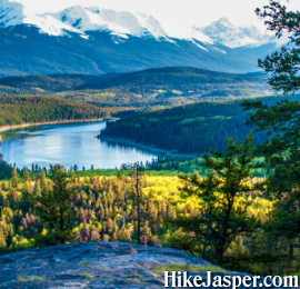 Jasper Pyramid Lake Overlook Hike